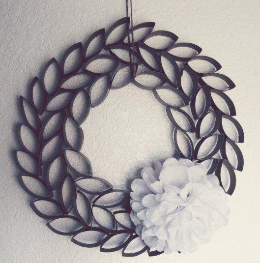 Paper-Roll-Wreath