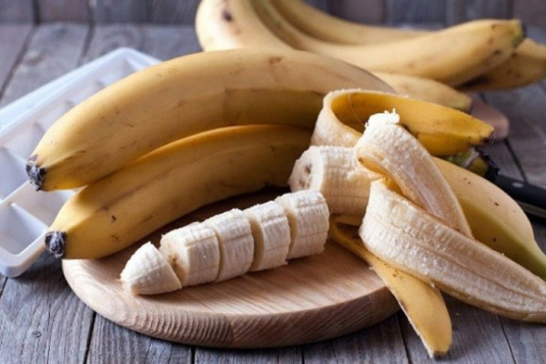 if-you-love-bananas-stop-what-you-are-doing-and-read-these-10-shocking-facts